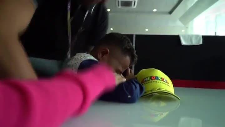 El llanto del niño Rivaldi tras la caída de Rossi
