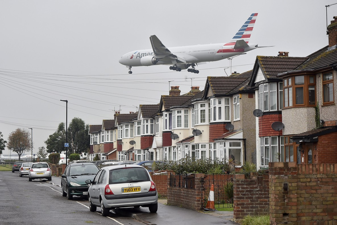 Viviendas junto al aeropuerto de Heathrow.