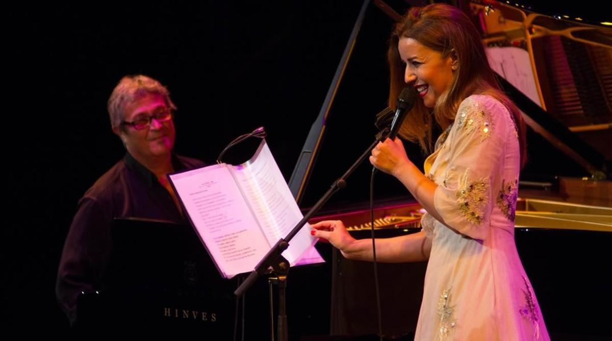 Chano Domínguez y Mariola Membrives, durante el concierto del viernes en el Teatre Grec.