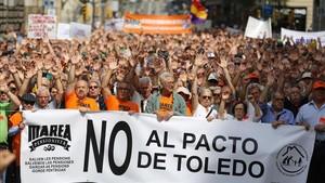 Manifestación de la Marea de Pensionistas en Barcelona reivindicando mayores incrementos en las pensiones.