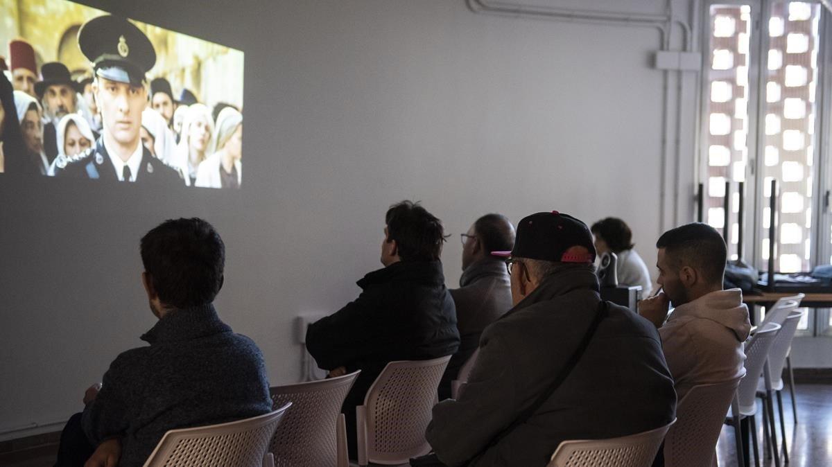 ESPACIOS DE OCIO.Sesión de cine una tarde en el Club Social la Brúixola de Lleida.