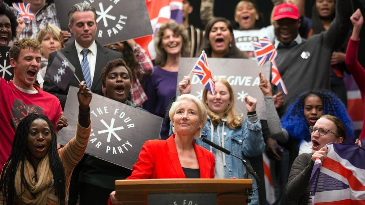 Emma Thompson, trasunto de esa ambición rubia llamada Boris Johnson, en una escena de 'Years and years'.