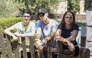 Miguel, Sheila y Neil han participado en campamentos de verano de Save the Children.
