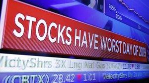 Una pantalla de Wall Street recoge la mala jornada registrada el lunes.