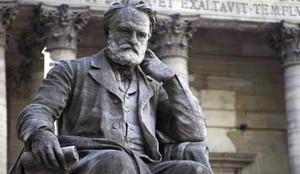 Estatua de Victor Hugo