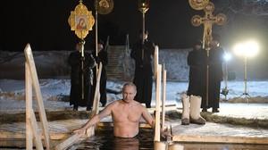 monmartinez41667734 russian president vladimir putin bathes in an ice cold water180119103958