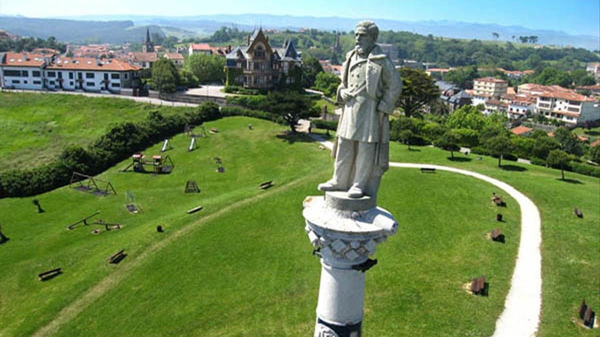 estatua del esclavista antonio lopez en comillas