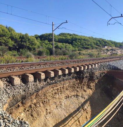Un clot entre Sitges i Vilanova causa retards a Rodalies i regionals