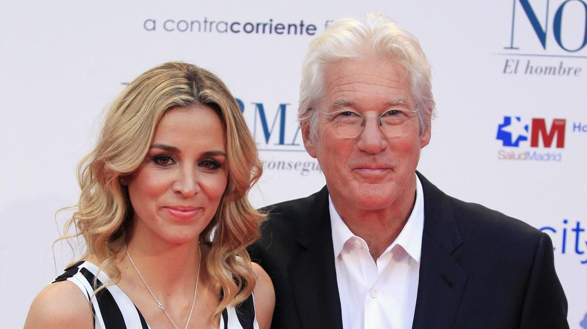 El actor Richard Gere y la empresaria Alejandra Silva, durante la presentación de la película 'Norman, el hombre que lo conseguía todo.