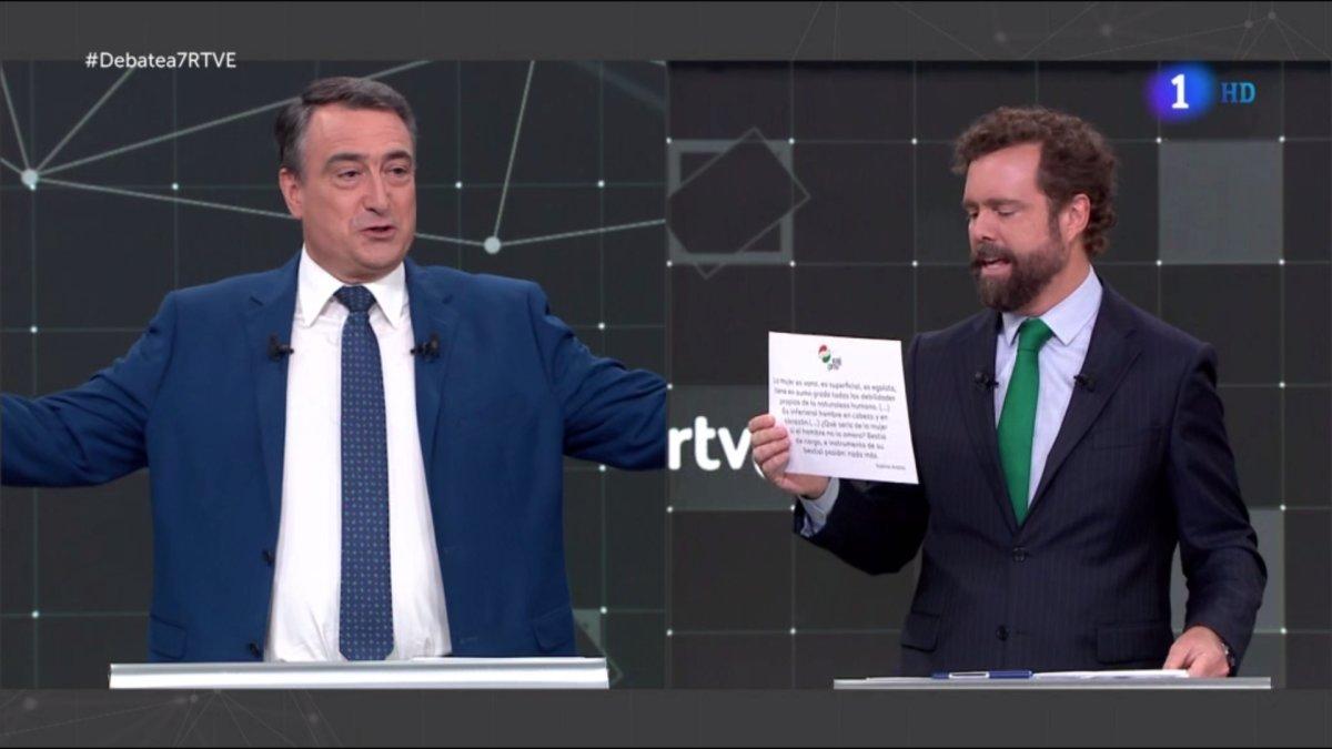 Aitor Esteban (PNV) e Iván Espinosa de los Monteros (Vox) en el 'Debate a 7' de TVE.
