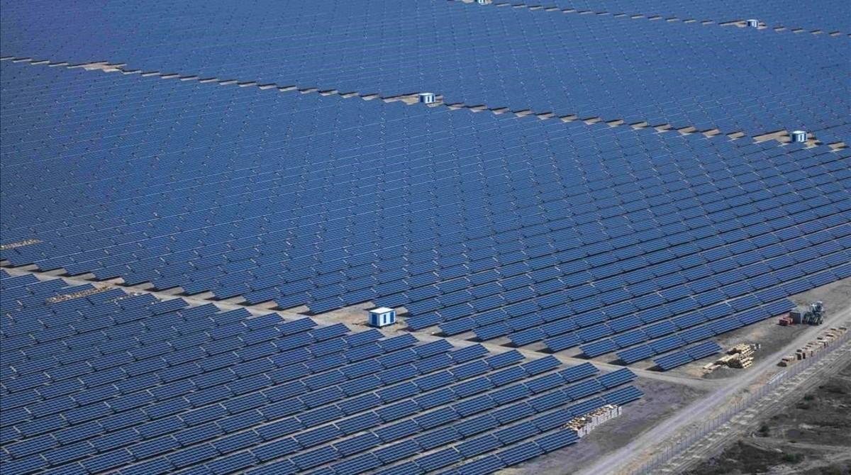 La planta solar alemanaLieberose, la segunda mayor del mundo, ocupa162 hectáreasal sureste de Berlín.