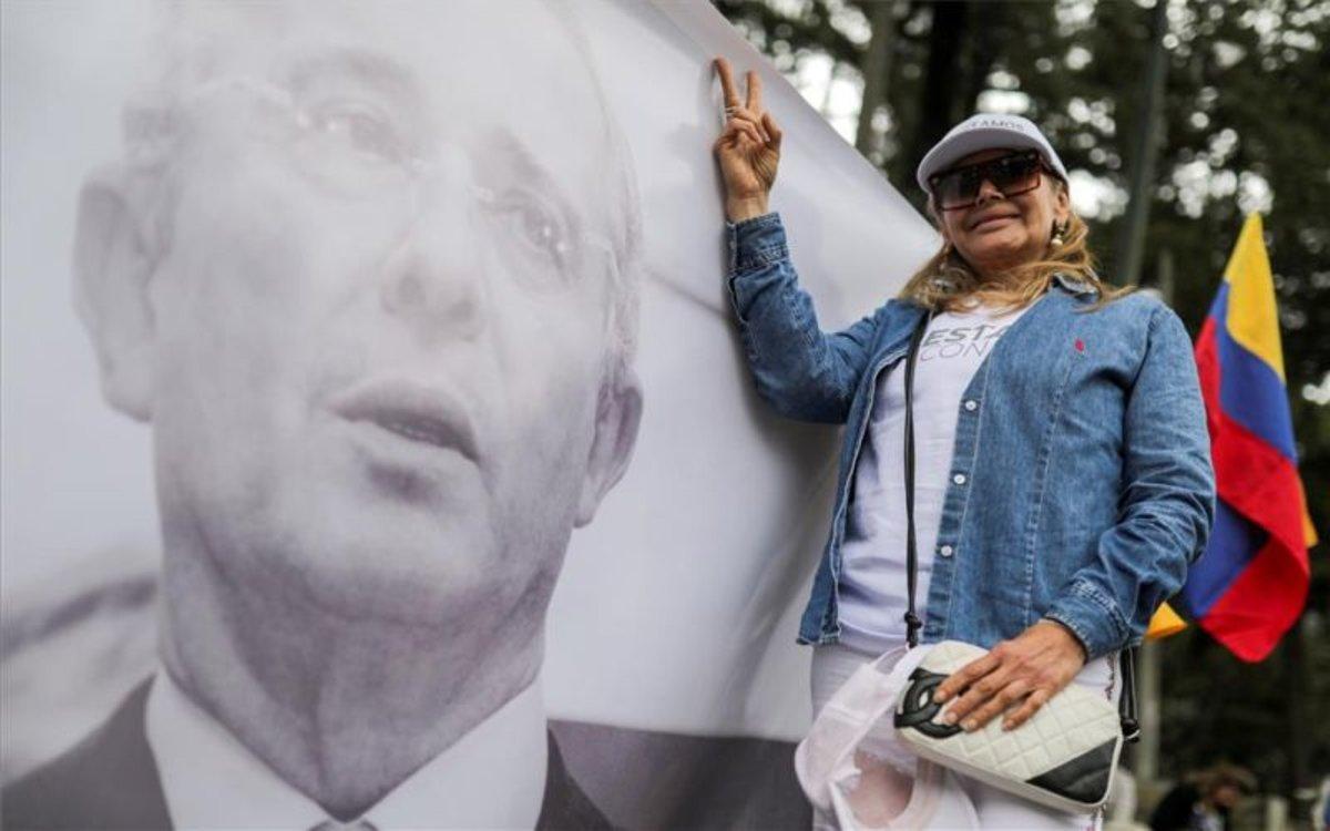 Una foto del expresidente de Colombia Álvaro Uribe.