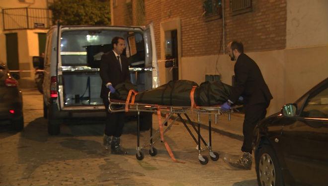 Troben una parella d'avis morts a punyalades a Madrid
