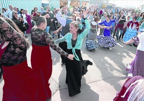 Baile y folclore en el Fòrum, durante la primera jornada de la Feria de Abril de Catalunya del año pasado.