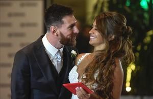 Leo Messi y su mujer Antonella Roccuzzo, minutos después de la boda.