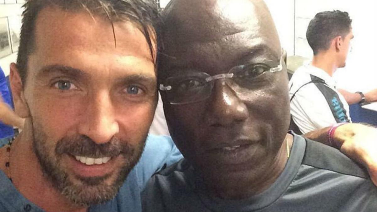 Buffon y Nkono, en un encuentro del pasado.