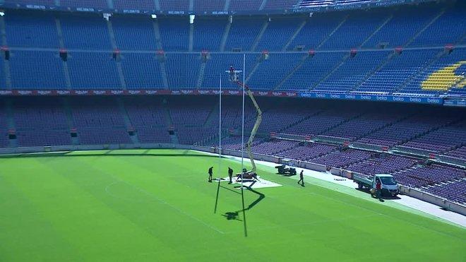 Los preparativos del Camp Nou para acoger el partido de rugby a 13.