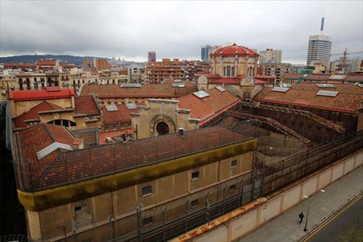 La cárcel Modelo que ocupa la doble manzana ubicada entre Provença, Rosselló, Entença y Nicaragua.