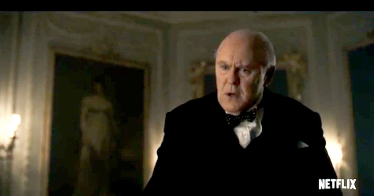 John Lithgow, caracterizado como Winston Churchill, en la producción de Netflix The Crown.