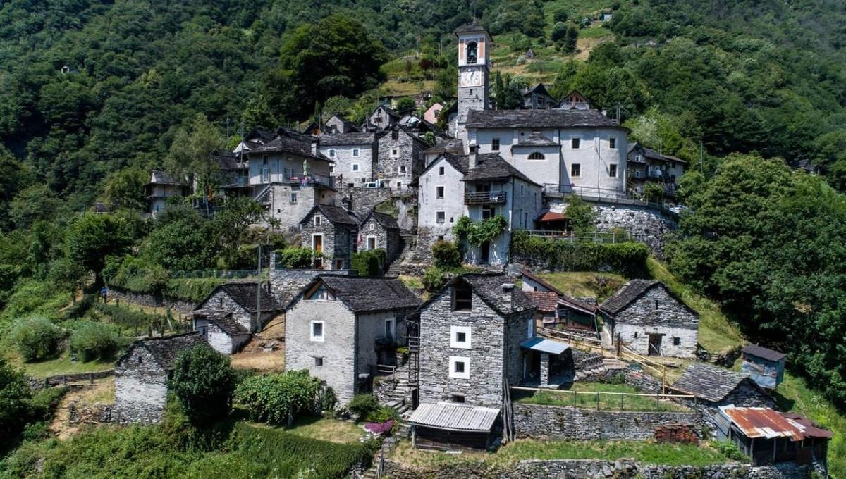 Corippo, el pueblo más pequeño de Suiza.