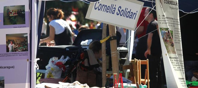 Una exposició repassa els més de 25 anys d'història i compromís del Cornellà Solidari