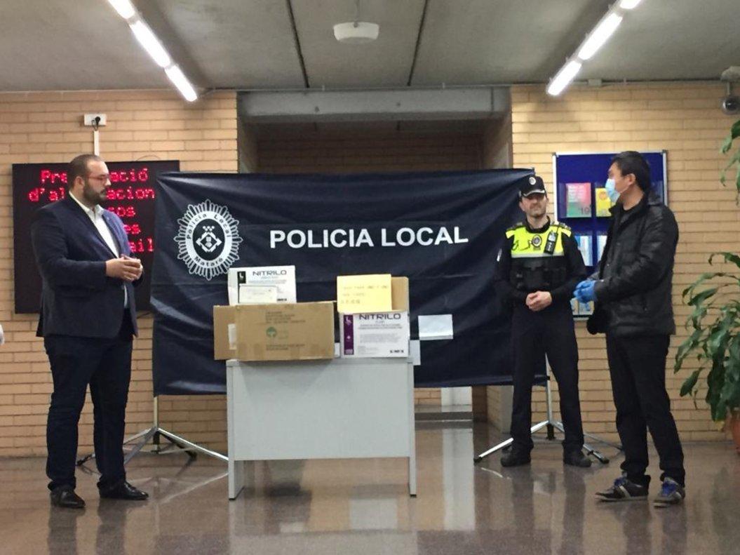 Donación de material sanitario de la comunidad china de Mataró.