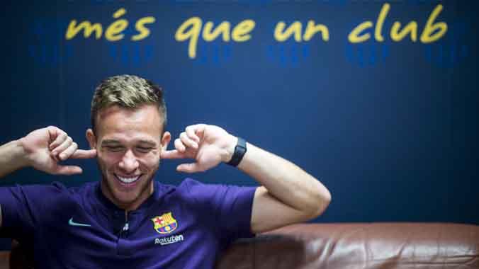 Entrevista con Arthur, centrocampista del FC Barcelona.