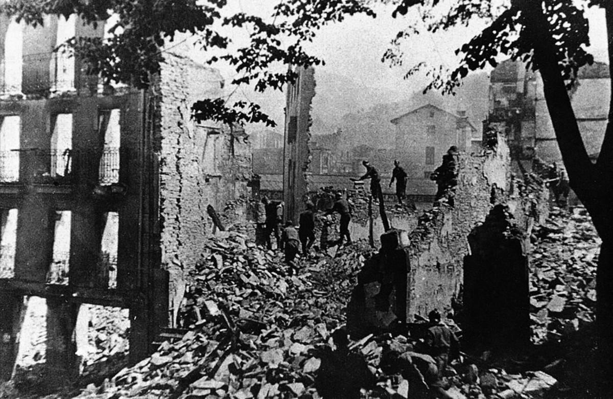 Durango quedó destruida por las bombas lanzadas por la aviación de Mussolini.