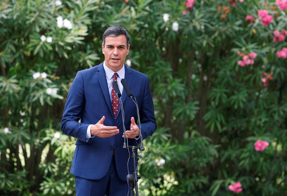 FILE PHOTO: Spain's Prime Minister Pedro Sanchez speaks during a brief news conference after his traditional summer meeting with King Felipe at Marivent Palace in Palma de Mallorca, Spain August 7, 2019. REUTERS/Enrique Calvo/File Photo
