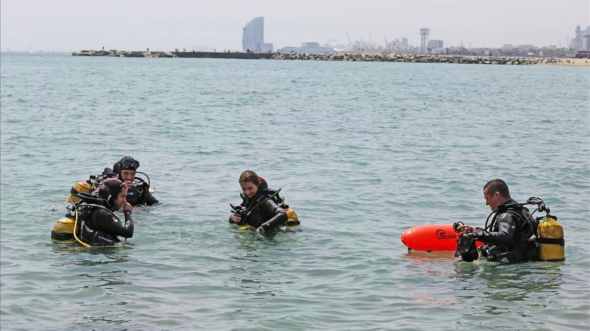 Participantes de la Biomaratón marina, gestionada por el proyecto Anèl·lides