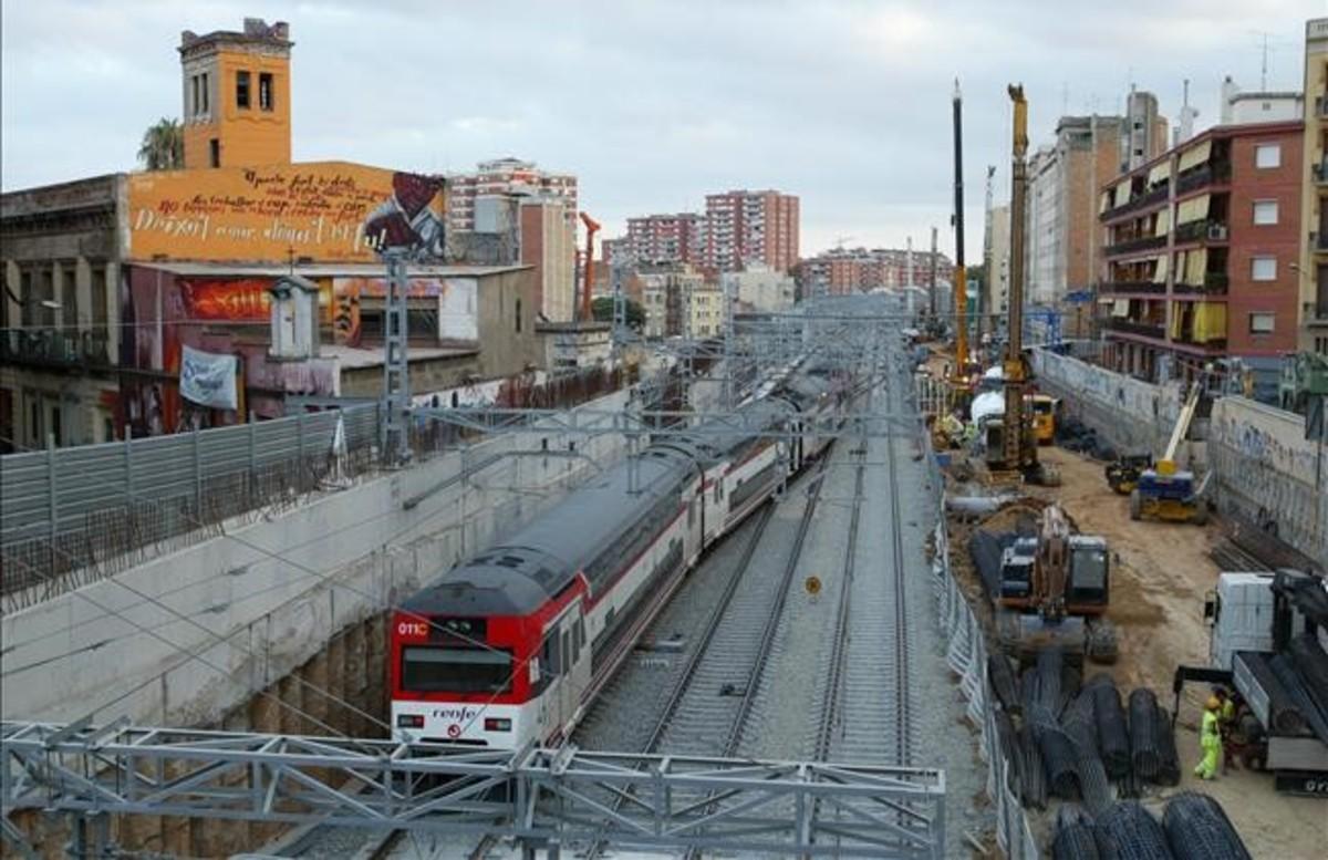 Las vías del tren en Sants en el año2007, justo antes de la construcción del mastodónticocajón.