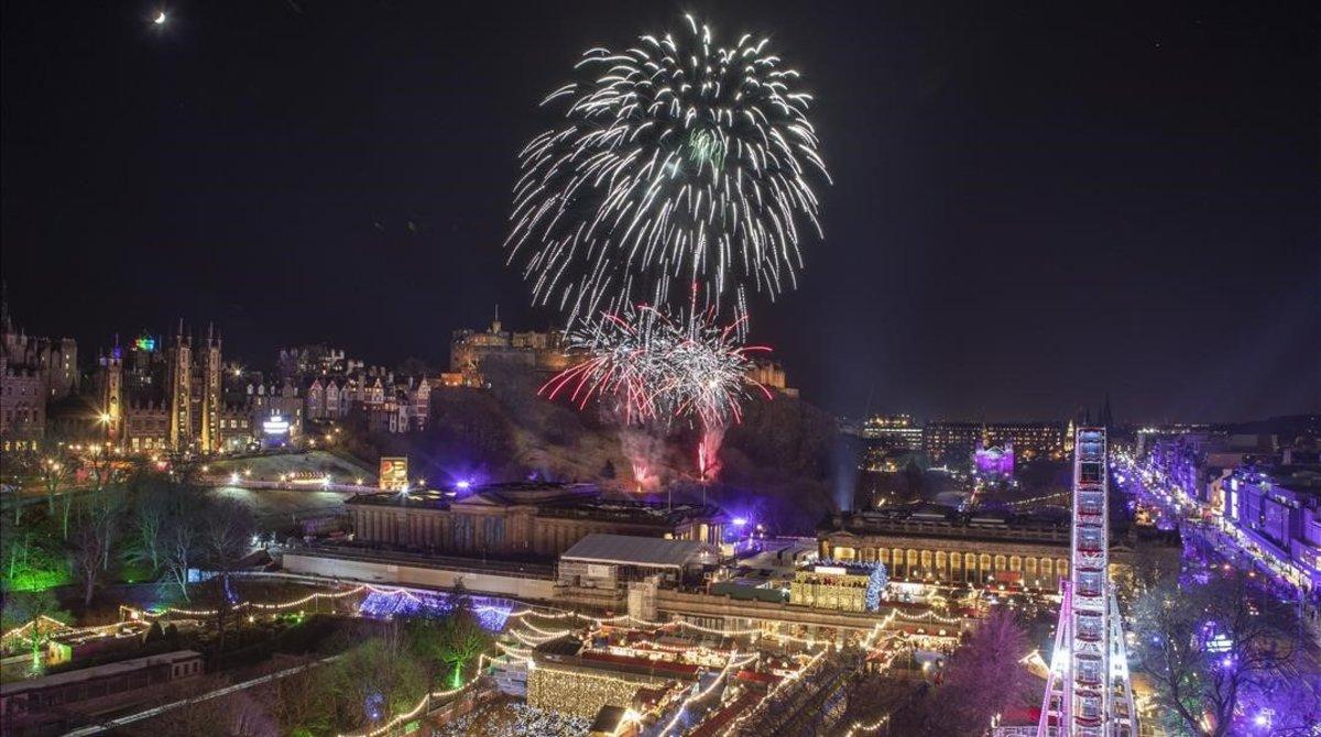 Fuegos artificiales en Edimburgo.