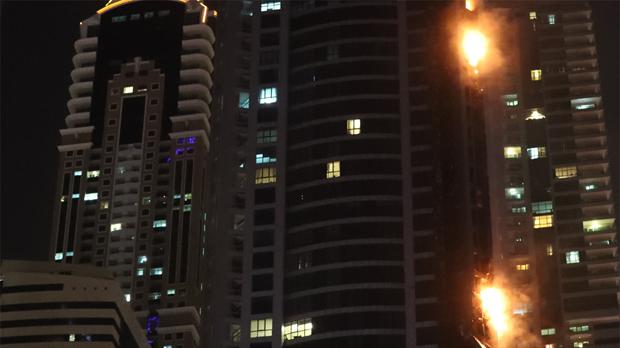 La torre Antorcha de Dubai se incendia por segunda vez.