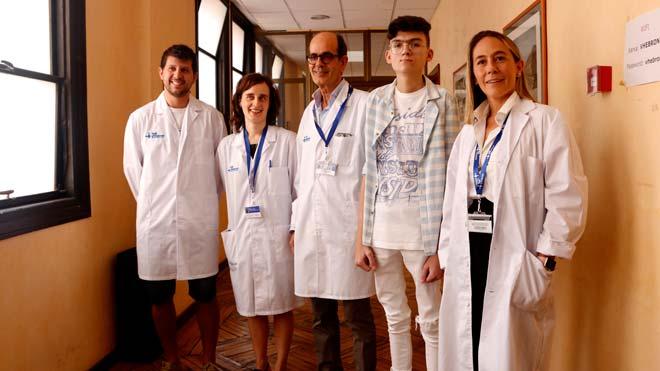 El Hospital Vall d'Hebron, pionero al trasplantar un hígado por una enfermedad rara.En el vídeo, declaraciones de los doctores Ramon Charco, Isabel Campos y Carolina Malagelada.