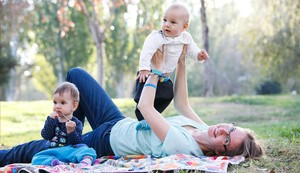 ValentinaThörner, con sus dos gemelos, este viernes.