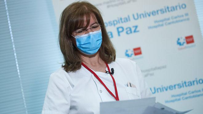 María Fe Bravo, jefa de Psiquiatría del Hospital La Paz: Los sanitarios no podrían afrontar ahora un rebrote.