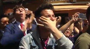 """Los jóvenes del viral de la virgen de los Dolores muestran su enfado por las críticas: """"Hemos recibido insultos homófobos"""""""