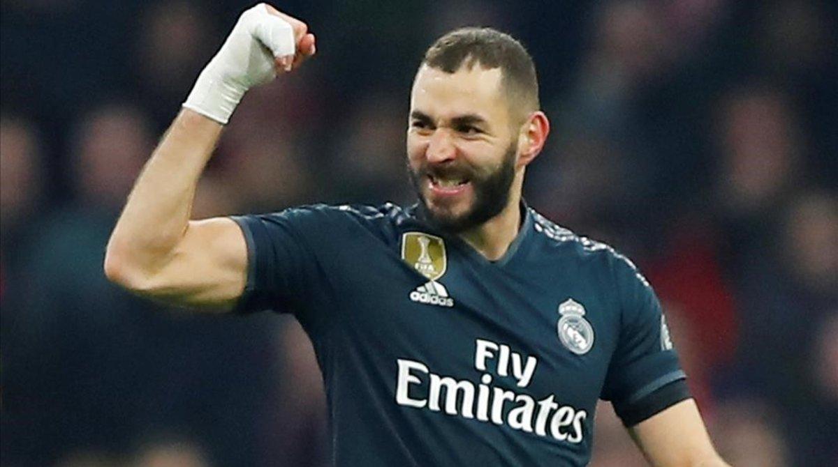 Karim Benzema celebra el primer gol del Real Madrid ante el Ajax.