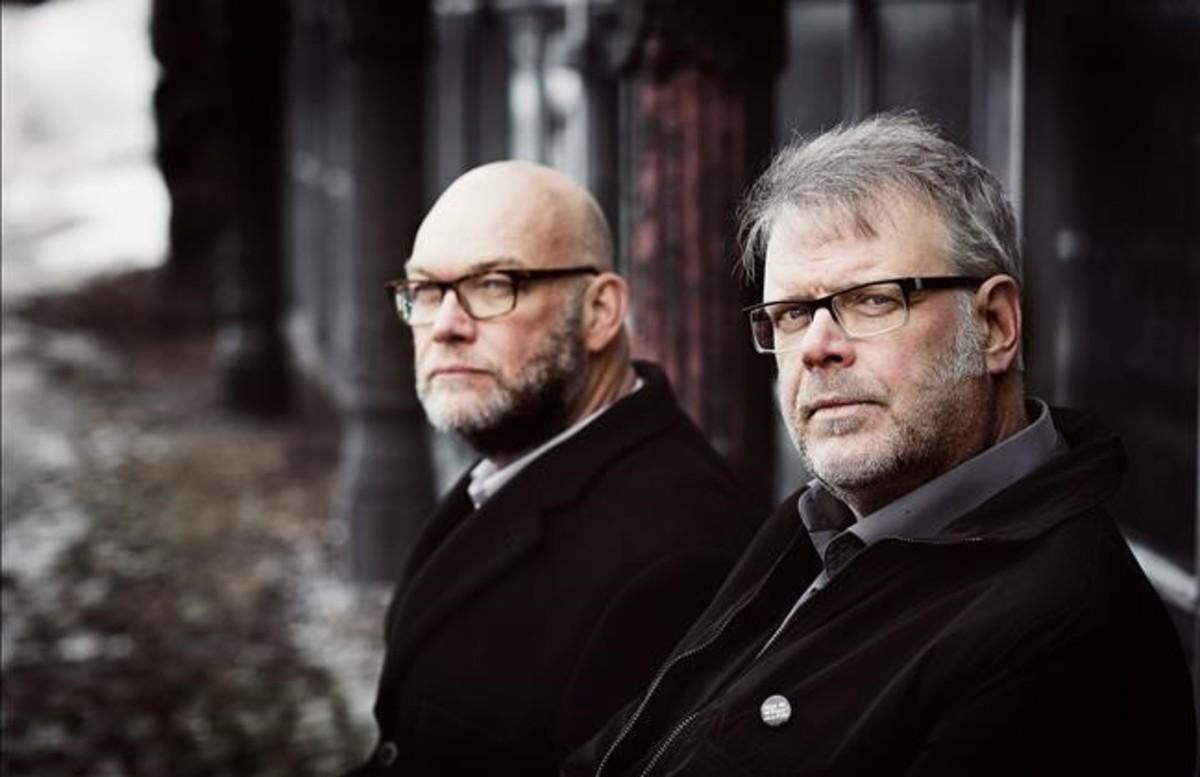 Los escritores suecos Michael Hjorth y Hans Rosenfeldt.