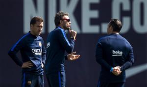 Luis Enrique y sus ayudantes preparan el partido ante Osasuna en la Ciutat Esportiva.