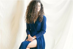 La pianista y compositora Marta Cascales Alimbau actúa esta noche.