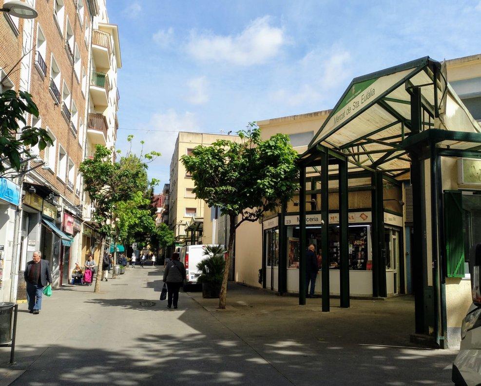 El mercado de Santa Eulàlia, en L'Hospitalet, el pasado mes de mayo