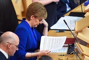 La ministra principal escocesa, Nicola Sturgeon, antes de intervenir en el Parlamento de Edimburgo.