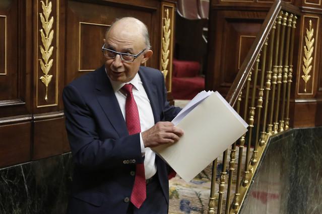 El ministro de Hacienda, Cristóbal Montoro, en el Congreso, este jueves.