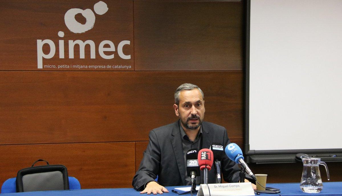 El presidente de la sección de autónomos de Pimec, Miquel Camps, en rueda de prensa.