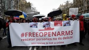 Manifestación a favor de Proactiva Open Arms en Barcelona.