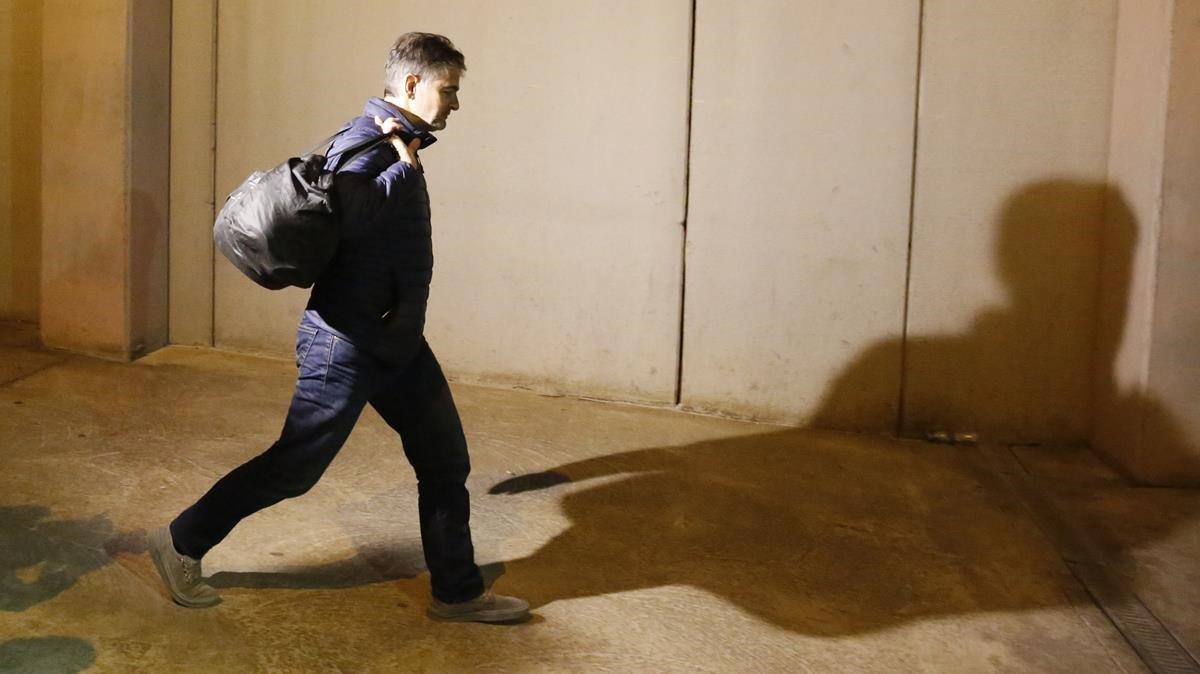 Oriol Pujol, entrando en la prisión de Brians 1.