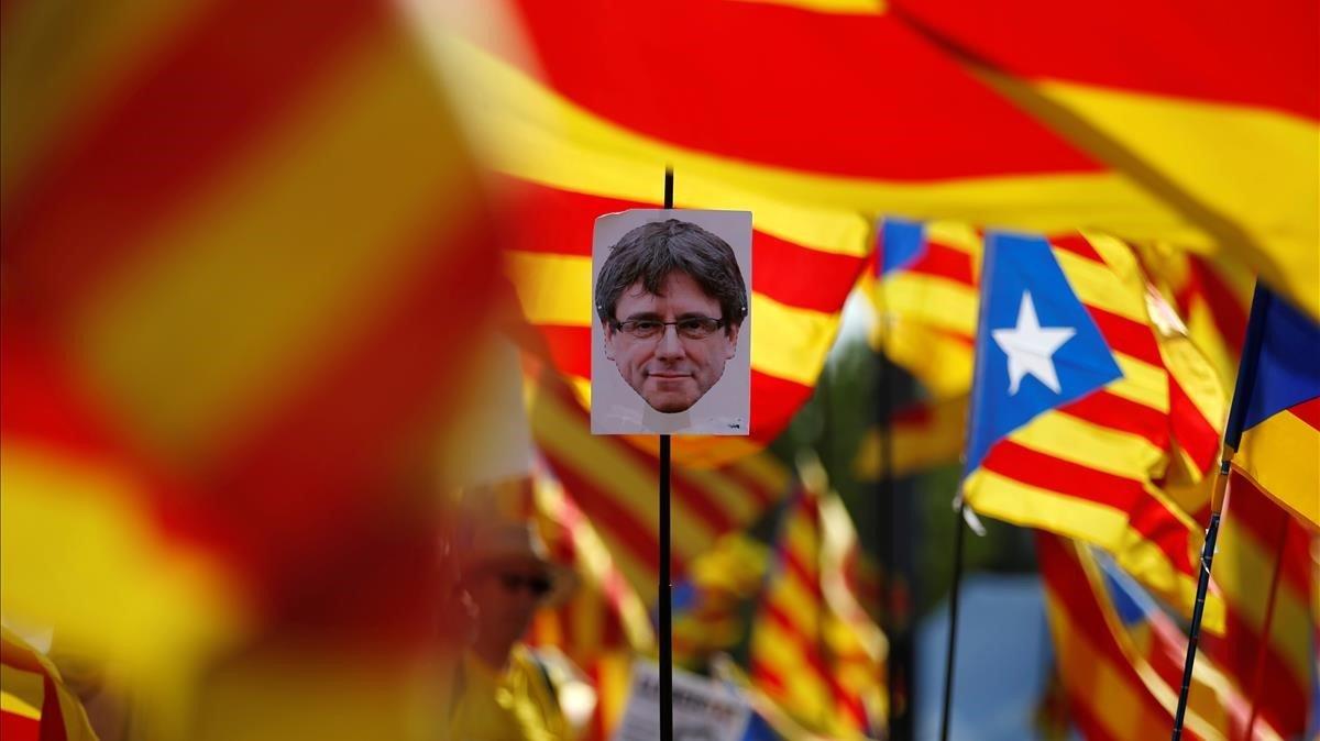Pancarta a favor de Carles Puigdemont el pasado 2 de julio en Estrasburgo
