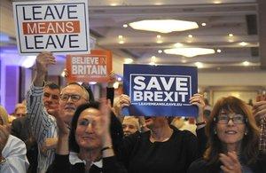 Partidarios del brexit, en la conferencia del Partido Conservador.