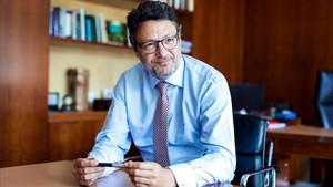 Pedro gonzález, nuevo presidente de MoraBanc.